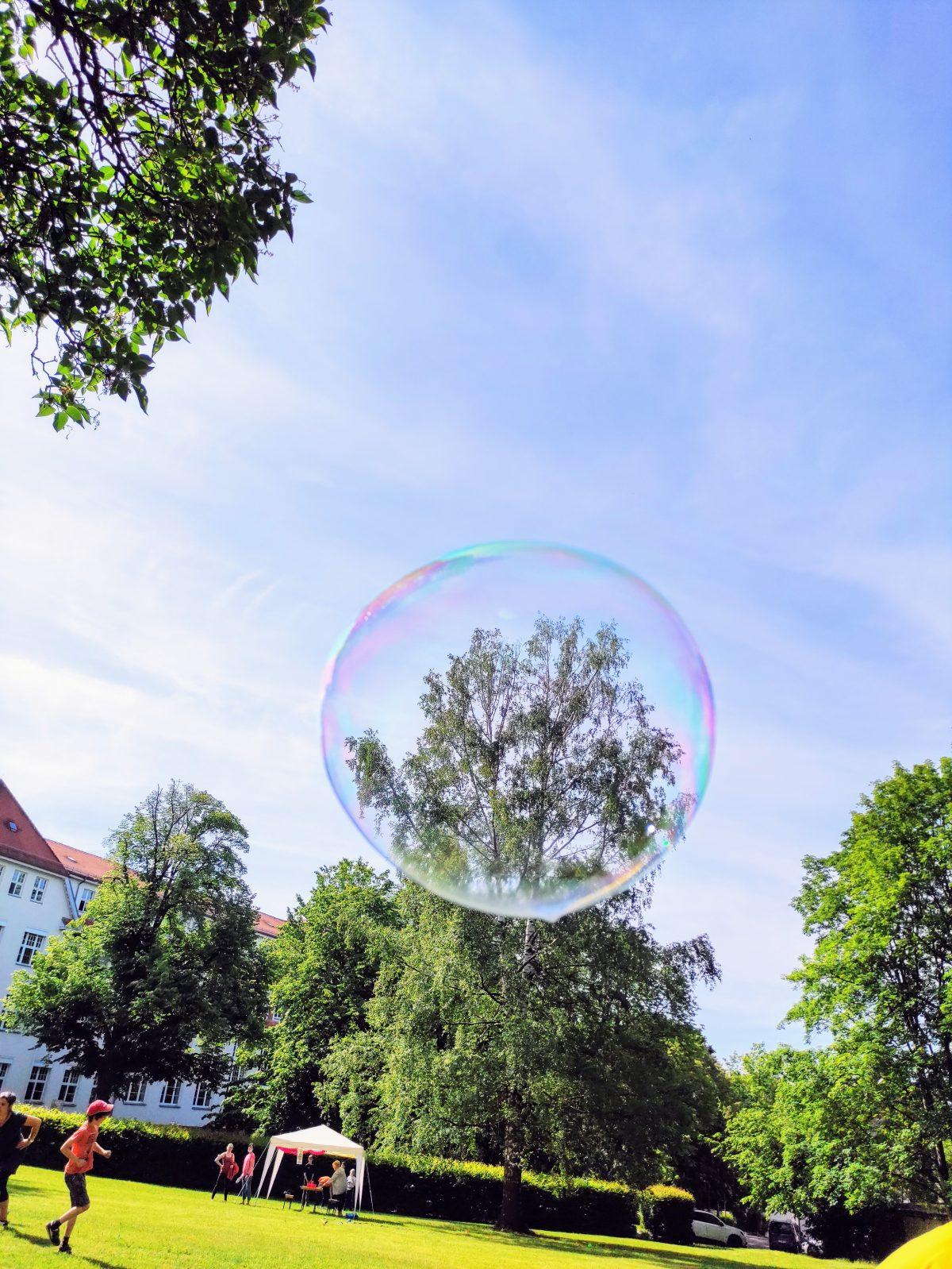 Riesenseifenblase
